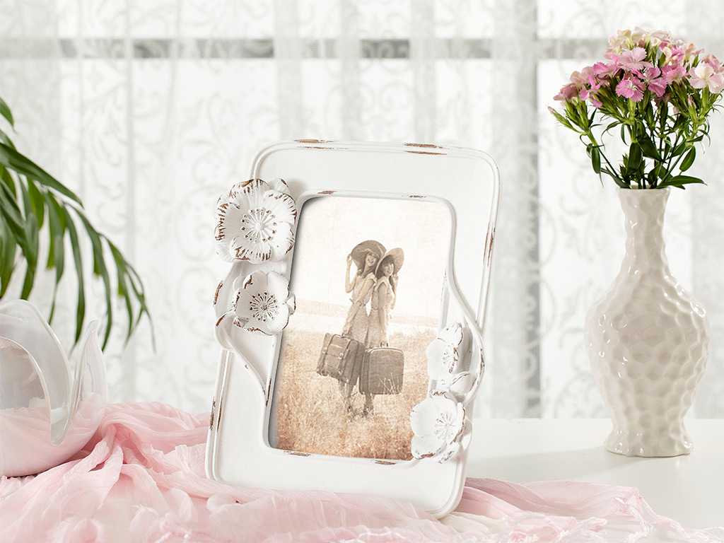 Blooming Beauty Frame 16,5x3,5x30,5 cm White