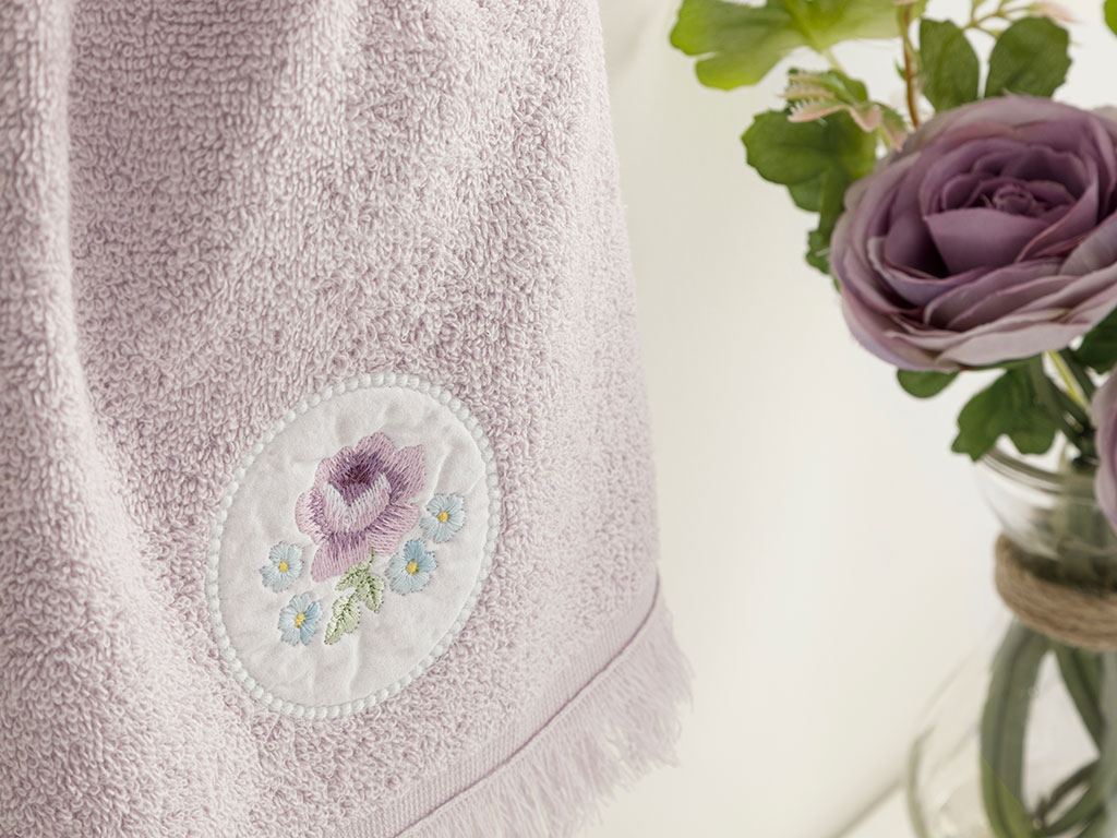 Big Rose Embroidered Hand Towel 30x40 Cm Lilac