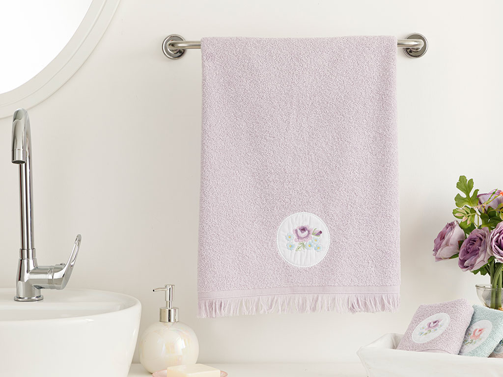 Big Rose Embroidered Face Towel 50x76 Cm Lilac