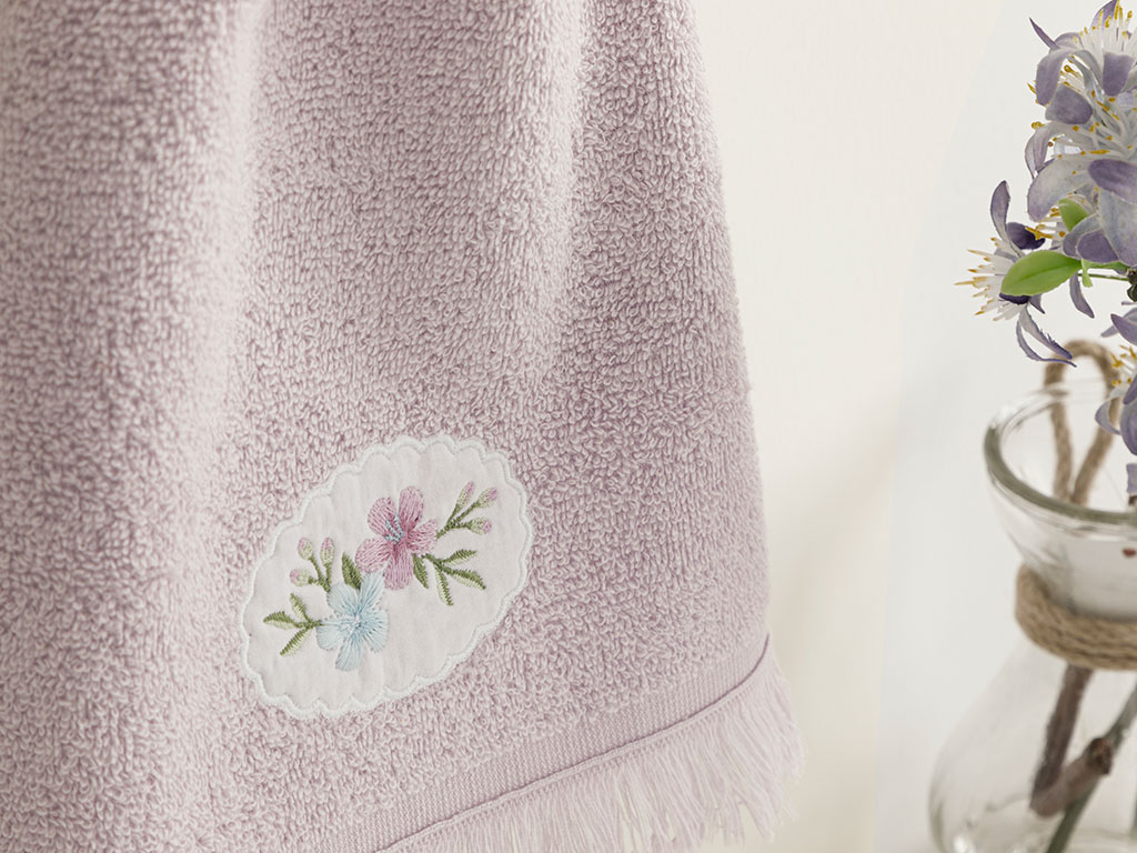 Fancy Flowers Embroidered Hand Towel 30x40 Cm Lilac