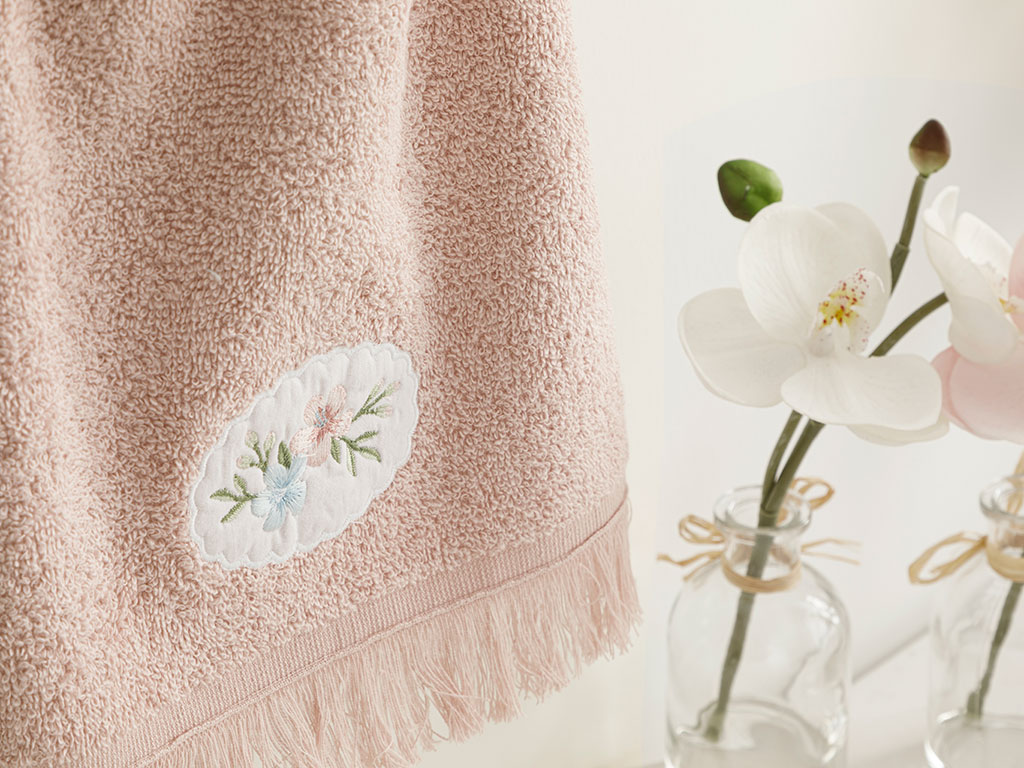 Fancy Flowers Embroidered Hand Towel 30x40 Cm Nude