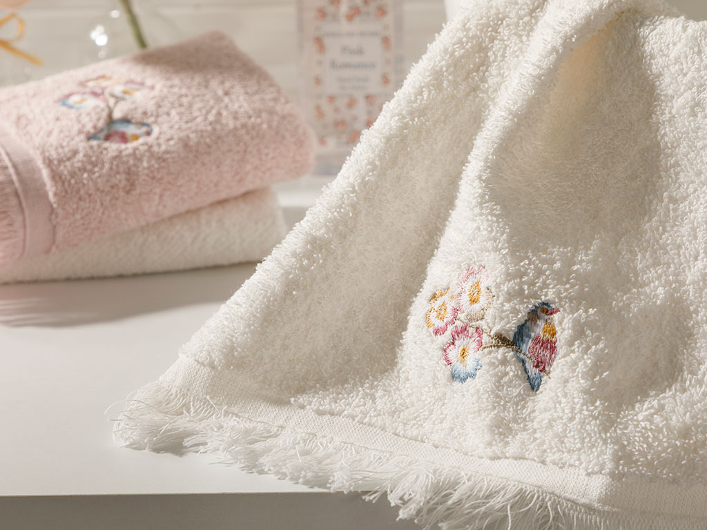 Urban Floral Embroidered Hand Towel 30x45 Cm Cream