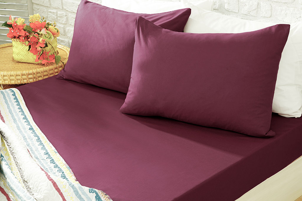 Plain Cotton Fitted Bed Sheet 200x200 Cm Sour Cherry
