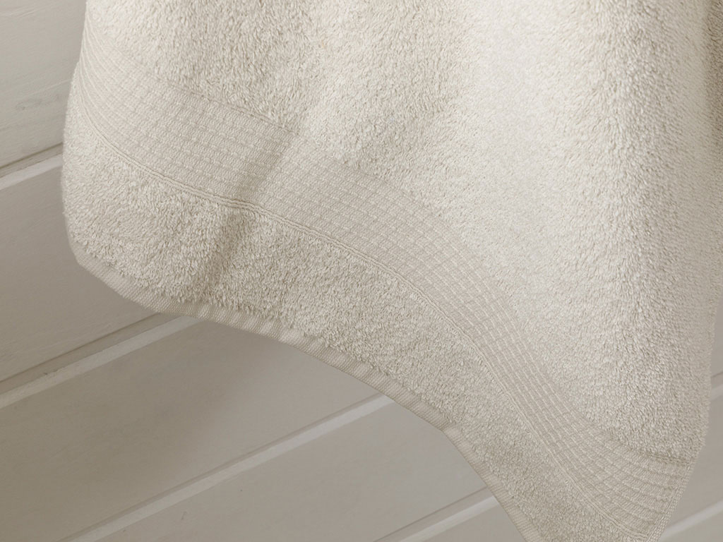 Pure Basic Bath Towel 70x140 Cm Beige