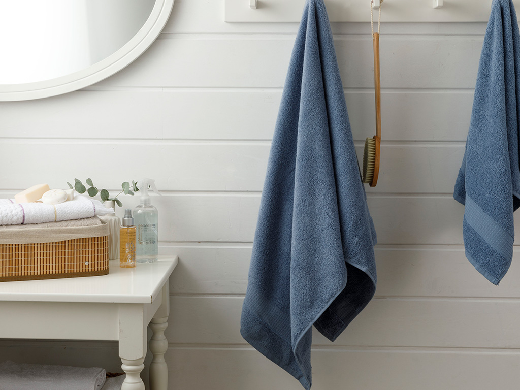 Pure Basic Bath Towel 70x140 Cm Dark Blue