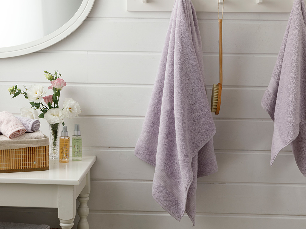 Pure Basic Bath Towel 70x140 Cm Lilac