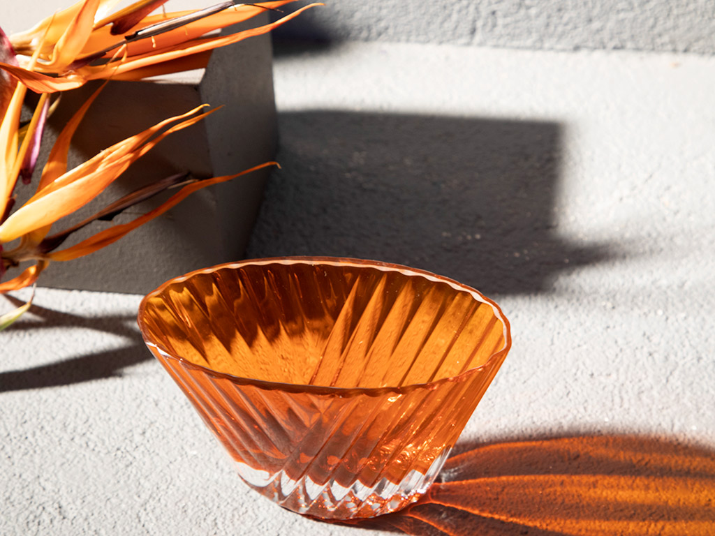 Intense Decorative Bowl 18 Cm Amber