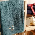 Poinsettia Embroidered Packaged Souvenir Towel 50x60 Cm Green