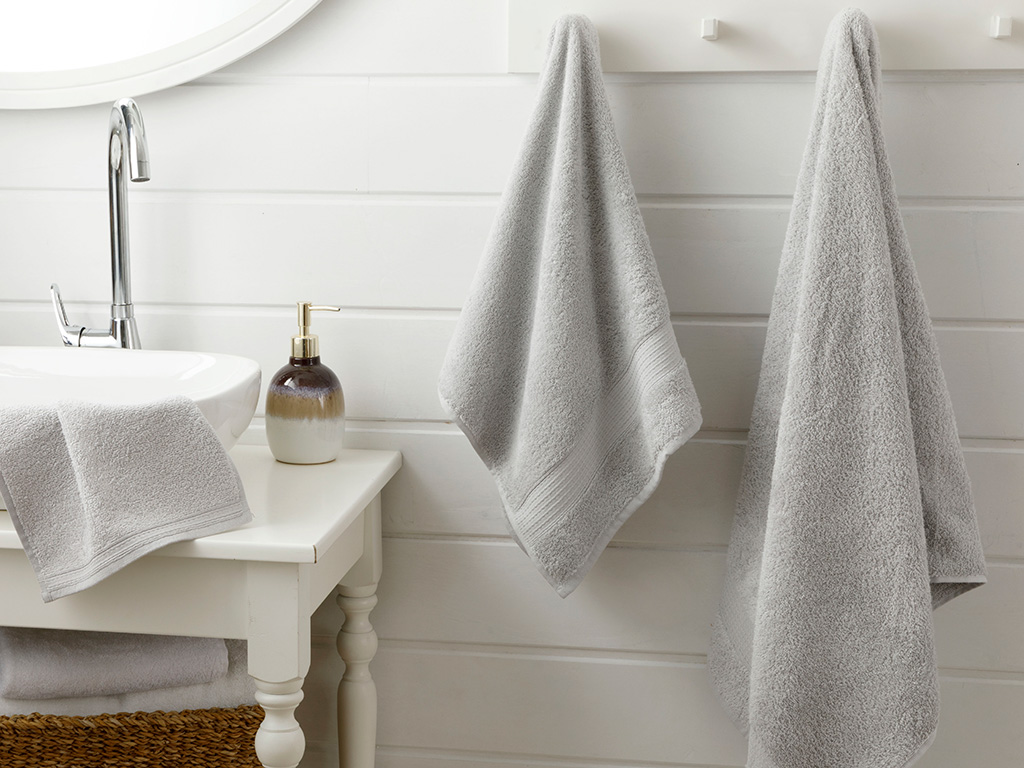 Pure Basic Bath Towel 100x150 Cm Gray