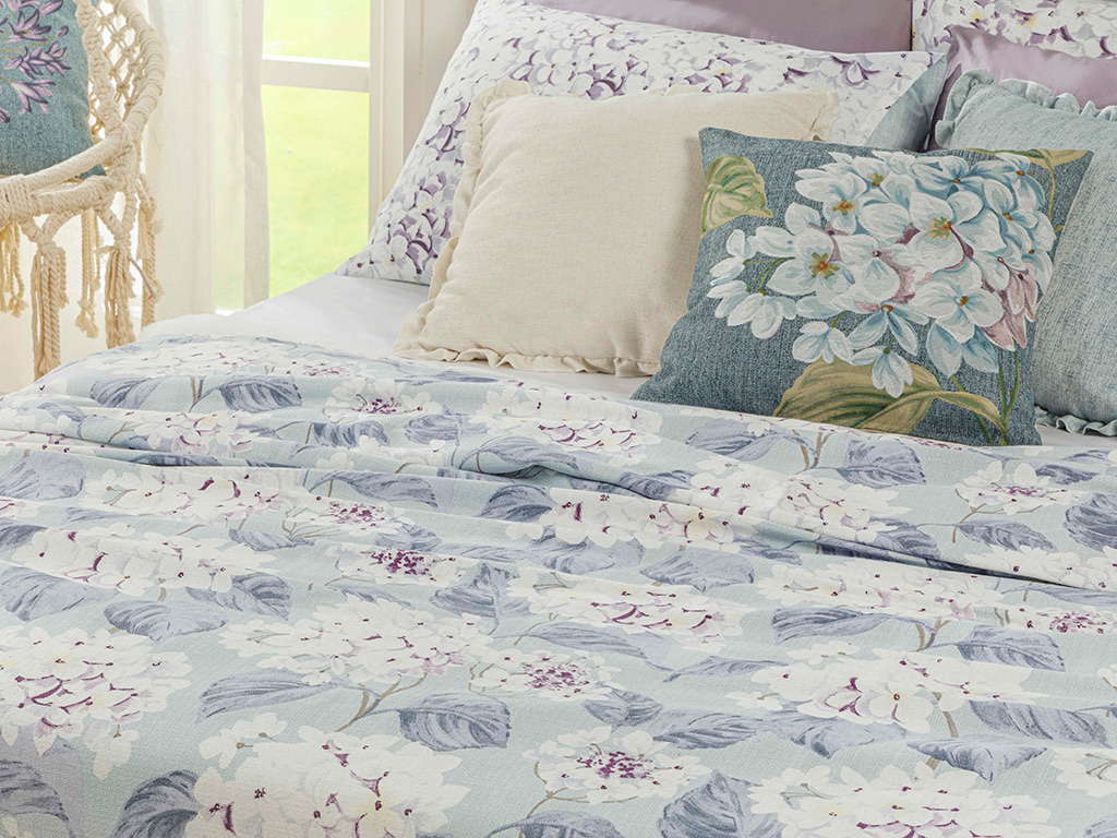 Printed Double Person Summer Blanket 200x220 Cm. Hydrangea Color